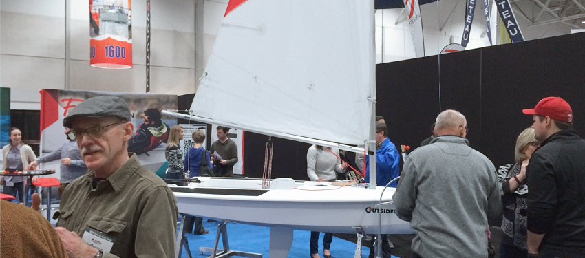 Toronto Boat show : Roski Marine, a new division of Roski Composites, introduced the Outsider, sailing dinghy