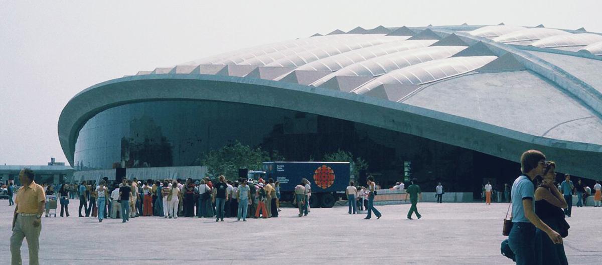 Le toit du vélodrome de Montréal : construit en matériaux composites